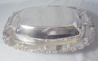 Vtg Silver Rectangular Entree Dish / Lidded Handled Serving Bowl Grape&vine Edge photo