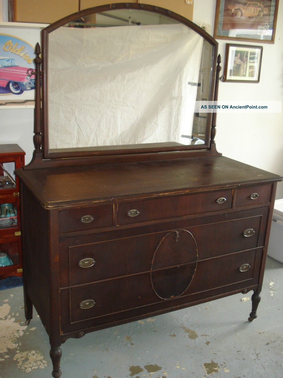 Antique Dresser Chest With Mirror