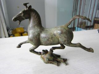 Chinese Bronze Statues Horse Running On The Swallow Success Antique photo