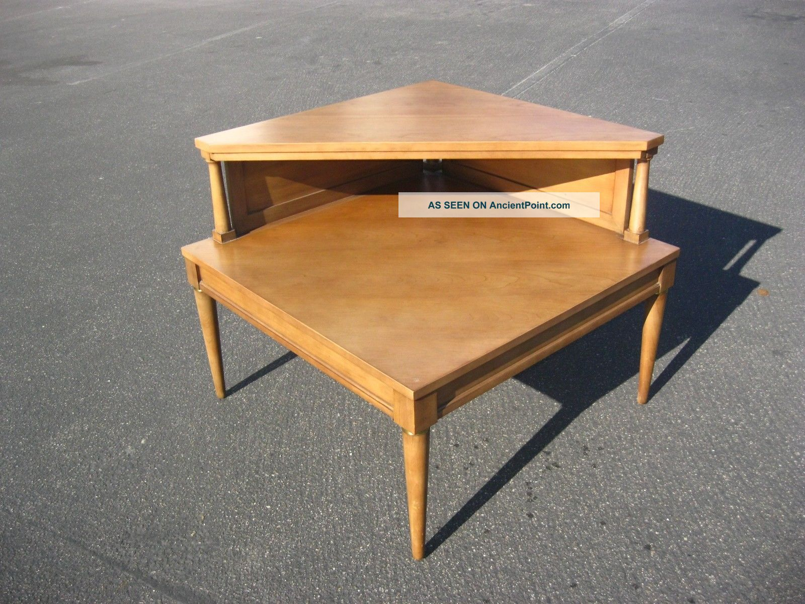 Modern Corner Table crowdbuild for