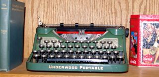 Scarce 1930 Underwood Portable Green With Champaigne Inset,  Serviced,  A Beauty photo