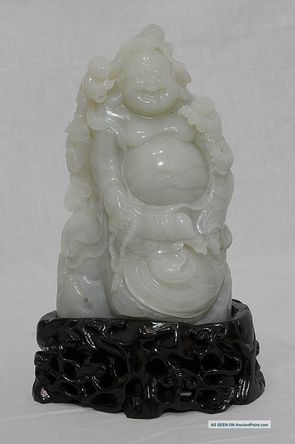 Well Hand Carved Chinese He - Tian Jade Buddha Figure Buddha photo