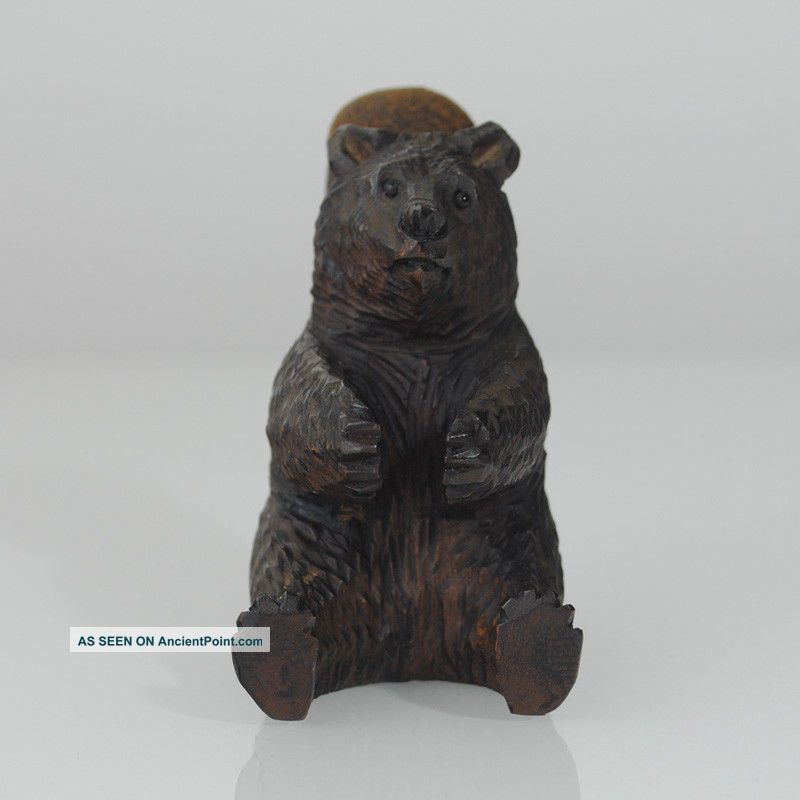 Brienz carved wooden bear with pin cushion 1880 carved figures photo 1
