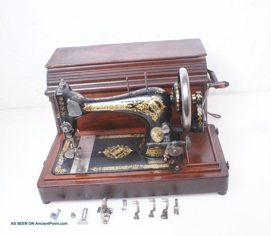 Antique Victorian Coffin Top 1903 Singer 28 (k) Hand Crank Sewing Machine 128 27 Sewing Machines photo