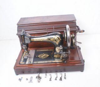 Antique Victorian Coffin Top 1903 Singer 28 (k) Hand Crank Sewing Machine 128 27 photo