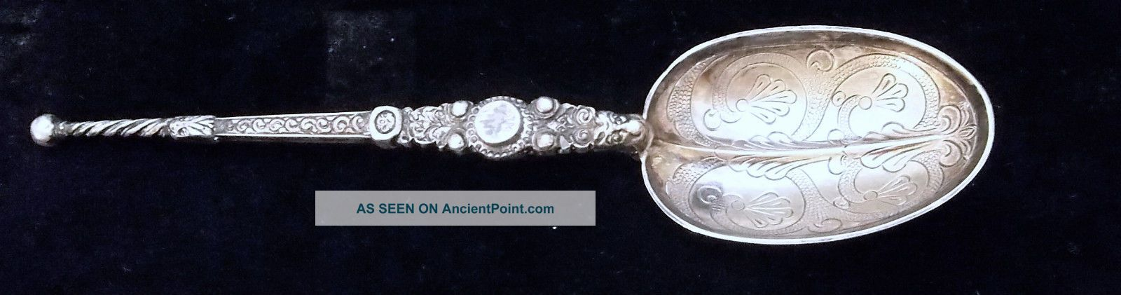 Antique Wakely And Wheeler Gilt Sterling Silver Coronation Serving Spoon St - 713 United Kingdom photo