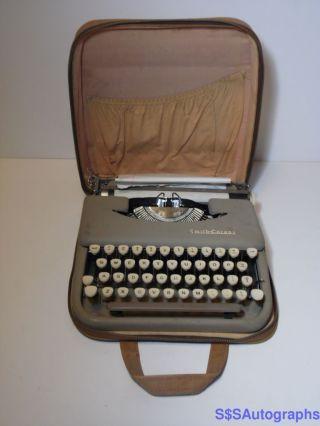 Vintage Working 1956 Smith Corona Portable Typewriter 3 Y Skyriter Sn 3y 84531 photo