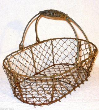Rusty Primitive Oval Chicken Wire Market Basket Double Handles Fine Detail photo