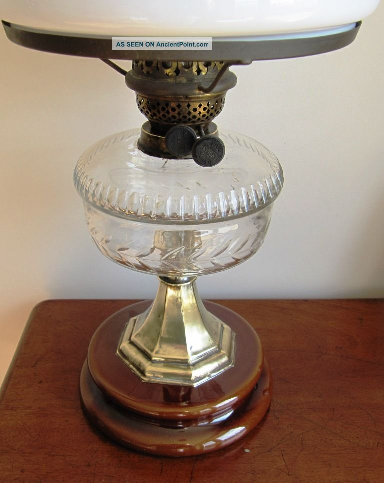 Stunning Sheerwoods Of Birmingham Clear Font Oil Lamp With White Shade Edwardian (1901-1910) photo