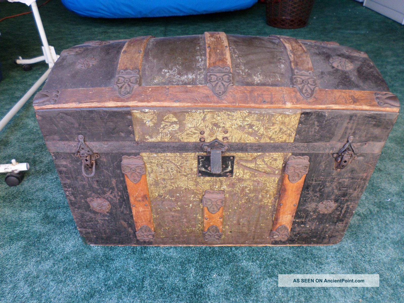 Vintage Antique Dome Top Steamer Trunk Looking For A Friend And Home Please: - } 1800-1899 photo