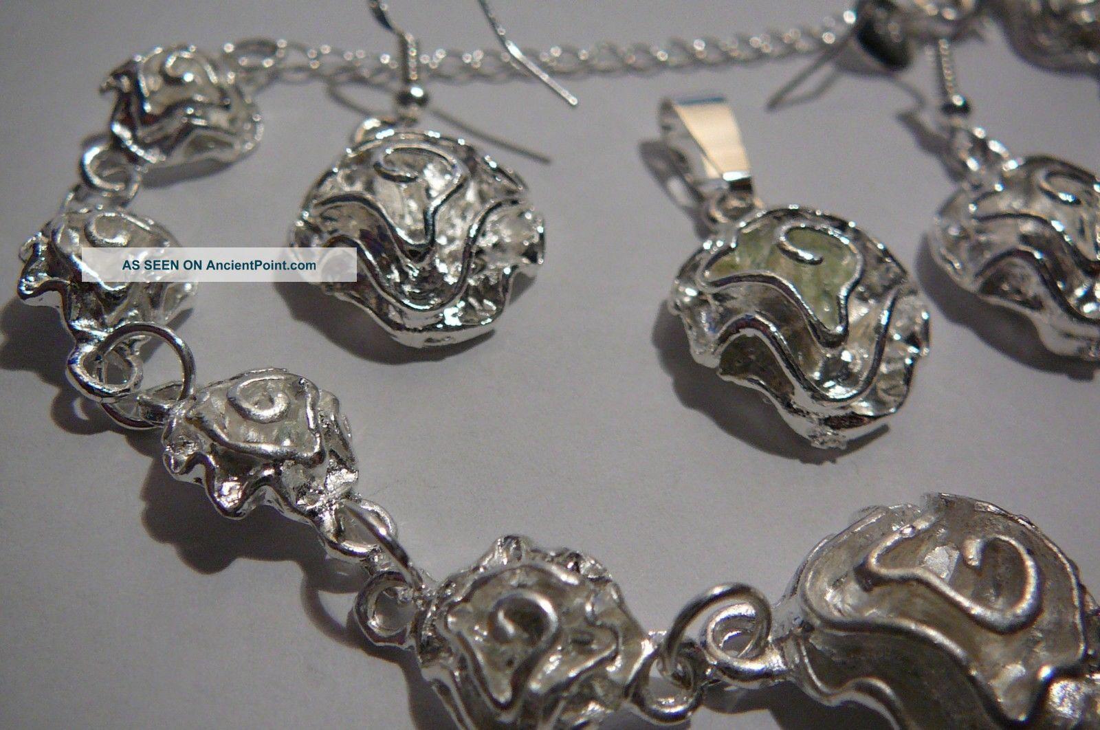 Flowers.  Silver.  Bracelet.  Earrings.  Pendant. Silver Alloys (.800-.899) photo