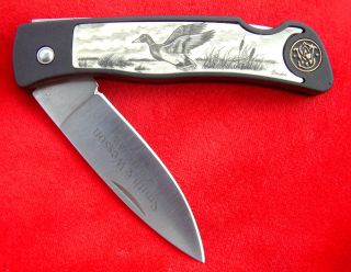 Smith And Wesson Scrimshaw Duck,  Lock Blade,  Folding Knife/knives photo
