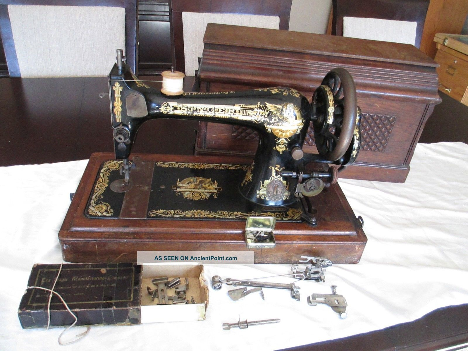 Singer Sewing Machine,  Sphinx Decal Antique Model 127,  Serial S192039 Cast Iron Sewing Machines photo