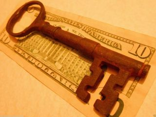 Antique Old Vintage Iron {large} Skeleton Key Steampunk Jewelry