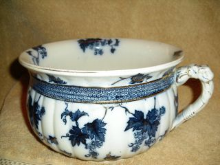 Boroeaux 7 Blue & White With Gold Trim Chamber Pot photo