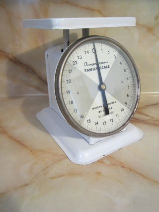 Vintage 25 Pound American Family Scale White Kitchen Scale Works Great photo