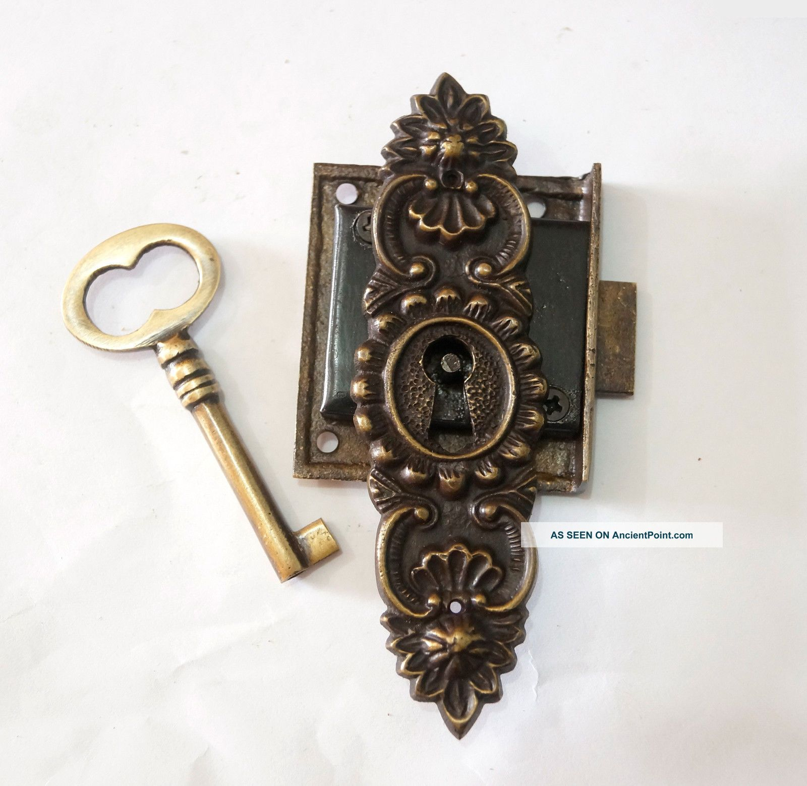With Antique Key Lock And Antique Lock