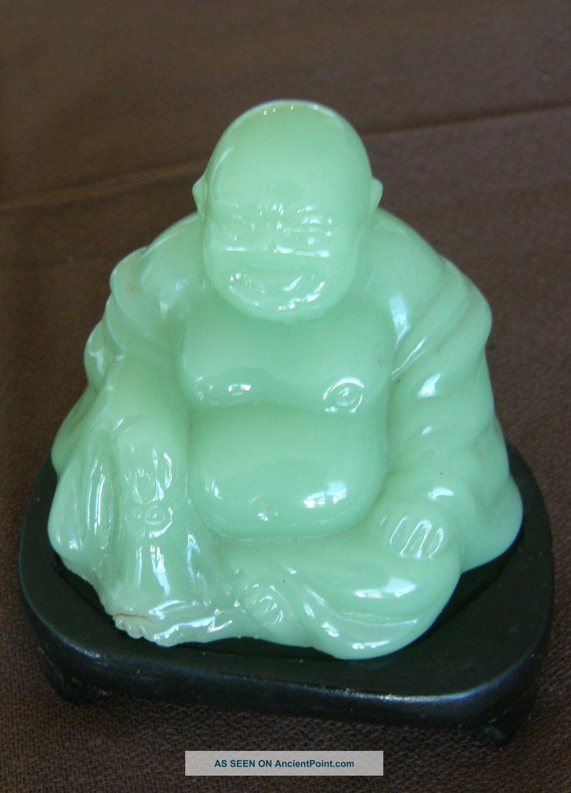 100% Nature Green Jade Buddha Buddha photo