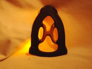 Vintage Cast Iron Trivet Monogram H Sad Iron Holder 334 photo