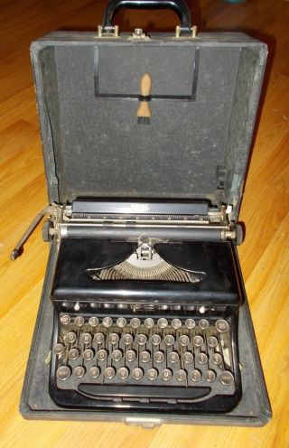 Vintage Glossy 30 ' S Royal Portable Typewriter Model O Touch Control W/case Nr photo