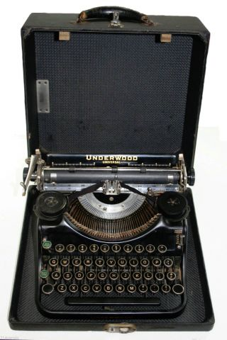 Vintage Early 1930 ' S Underwood Universal Portable Typewriter F868553 With Case photo