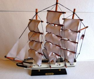 Vintage Clipper Whaling Ship 1846 Wooden Model Ship photo