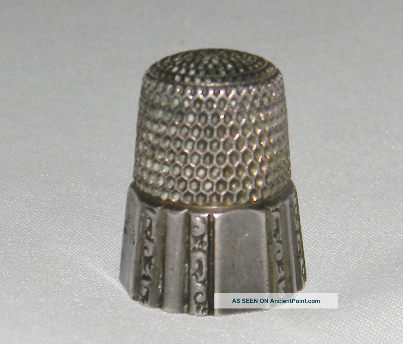 Antique Victorian Sterling Silver Simons Bros 1889 Ornate Scroll Panel Thimble Thimbles photo
