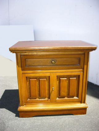 Vintage Mid Century Modern Bassett One Drawer Nightstand / End Table photo