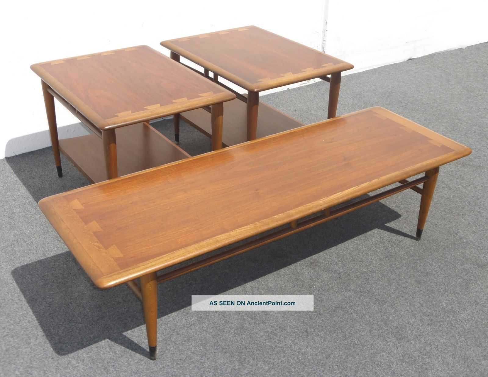 Image of: Lane Acclaim Mid Century Modern Walnut Coffee Table Two End Tables