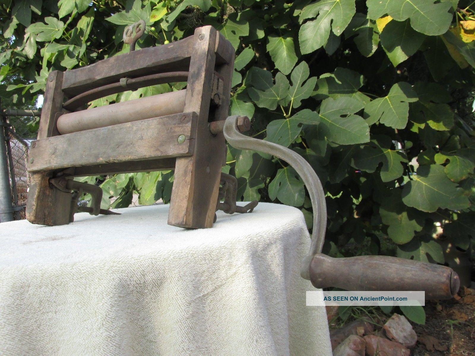 Antique Hand Crank Clothes Wringer Laundry Washing Machine Vintage Wood Washing Machines photo