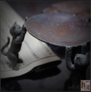 Japanese / Chinese Brass Copper Ware Of Pretty Three Cats Statue / Oil Lamp Dish photo