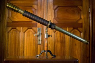Single - Draw Telescope On Rare Tabletop Mount +/ - 1900 photo
