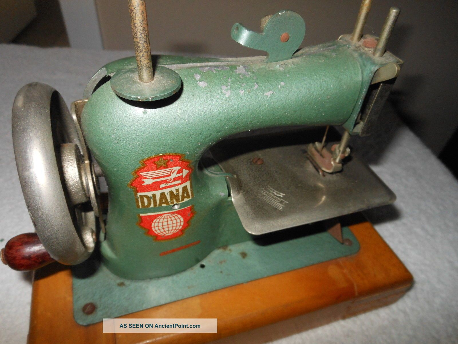 Antique Toy Diana German Sewing Machine Germany Schuphoff Metal Hand Crank Sewing Machines photo