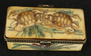 China Old Bone Collectable Handwork Carved Tortoise Jewel Snuff Box Ornament photo