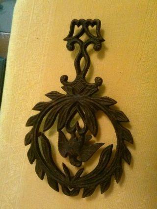 Vintage Cast Iron Eagle And Wreathe Trivet Mt - 13 photo