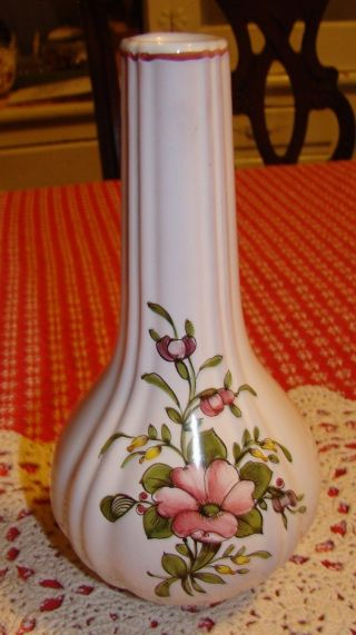 Signed Vase Onion Bulb Shape White Ceramic / Porcelain Red Pottery Flowers photo