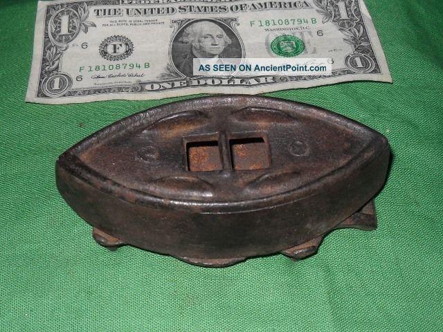 Vintage Antique Small Sadiron & Trivett Sad Iron Home Interior 2 - Trivets photo