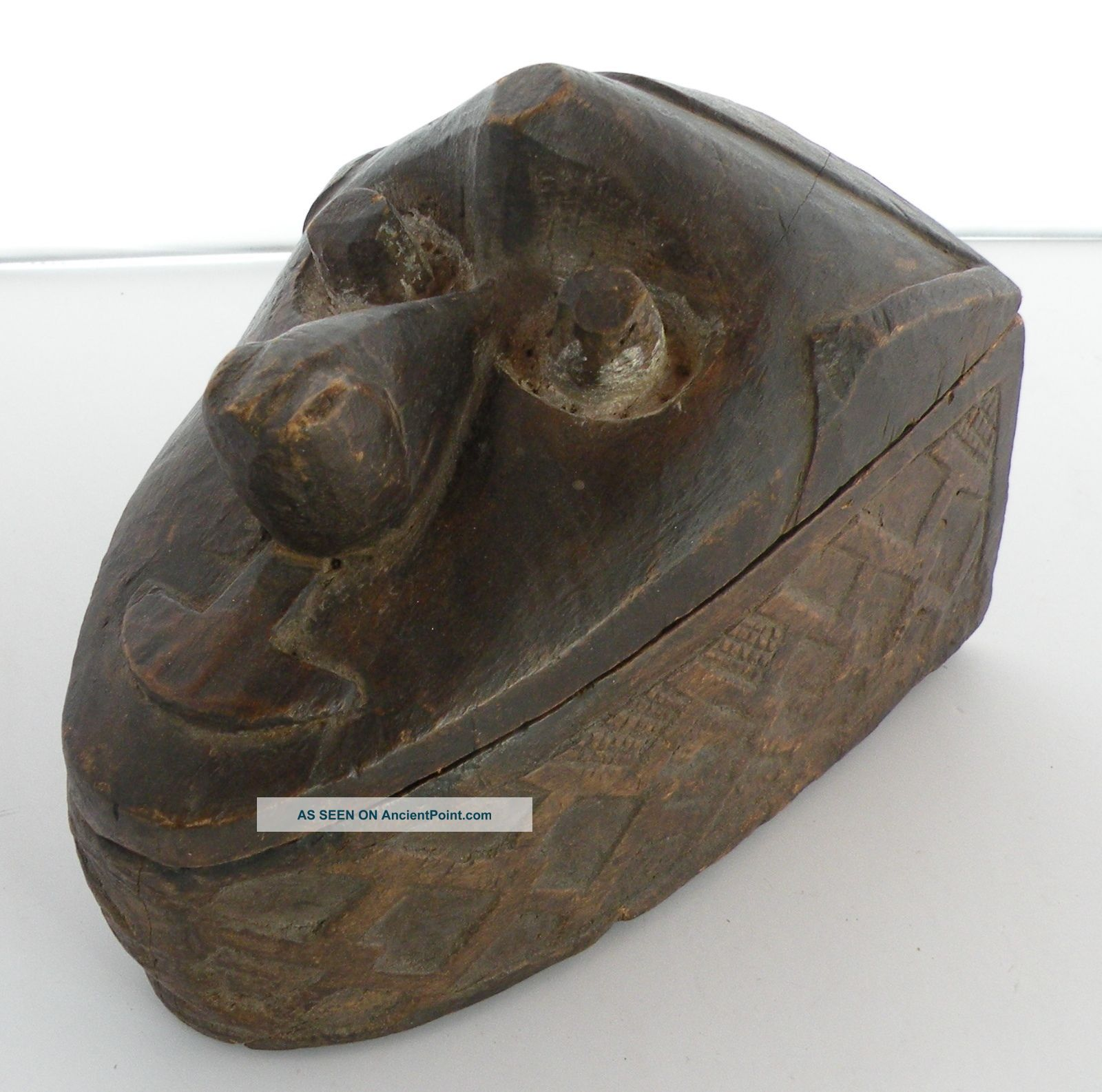 Unusual Old Kuba Tribe Carved Wood Box With Carved Face On Lid,  Congo,  Large Sculptures & Statues photo