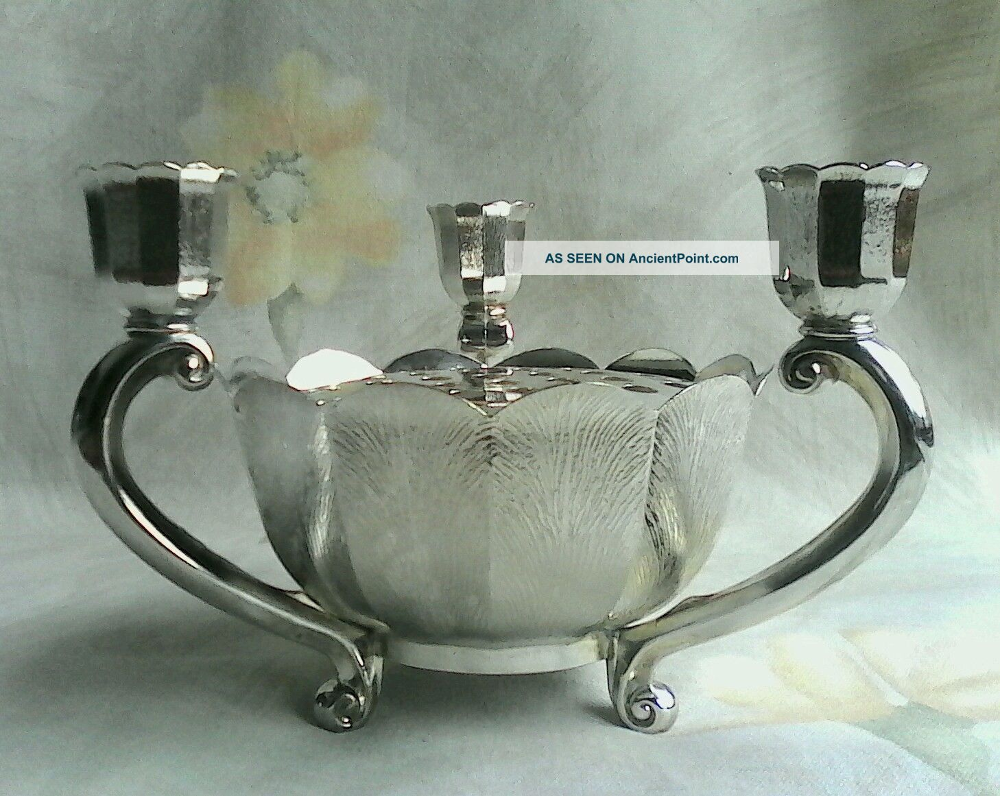 Vtg Italy Leonard Silver Plate Lotus 3 Footed Candle & Potpourri/flower Holder Candlesticks & Candelabra photo