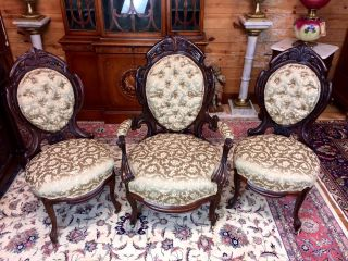 Henkles Meeks Laminated Rosewood Parlor Chairs Belter Period photo