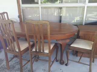 Queen Anne Dining Table And 4 Chairs photo