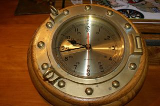 Vintage Brass Mariner Ship Clock Mounted In Oak Quartz 12