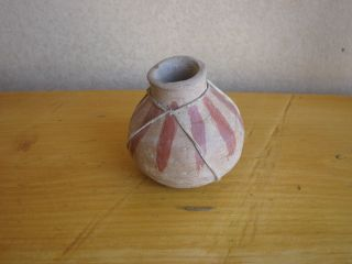 Antique Vtg Sm Cochiti ? Pueblo ? American Indian Pottery Vase Rawhide Navajo ? photo