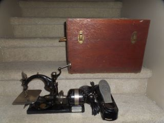 Antique Willcox & Gibbs Sewing Machine Automatic W/case & Foot Pedal photo