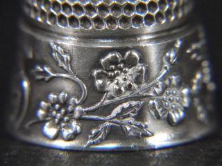 Vtg Thomas Brogan Sterling Silver Raised Floral Flower Band Sewing Thimble photo
