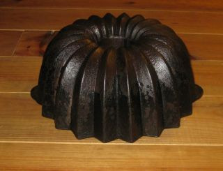 Antique Cast Iron Bundt Pan From Germany 3361 G photo