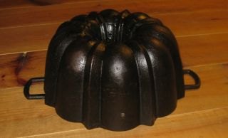 Antique Cast Iron Bundt Pan,  Massive Heavy Top 4097 G Germany photo