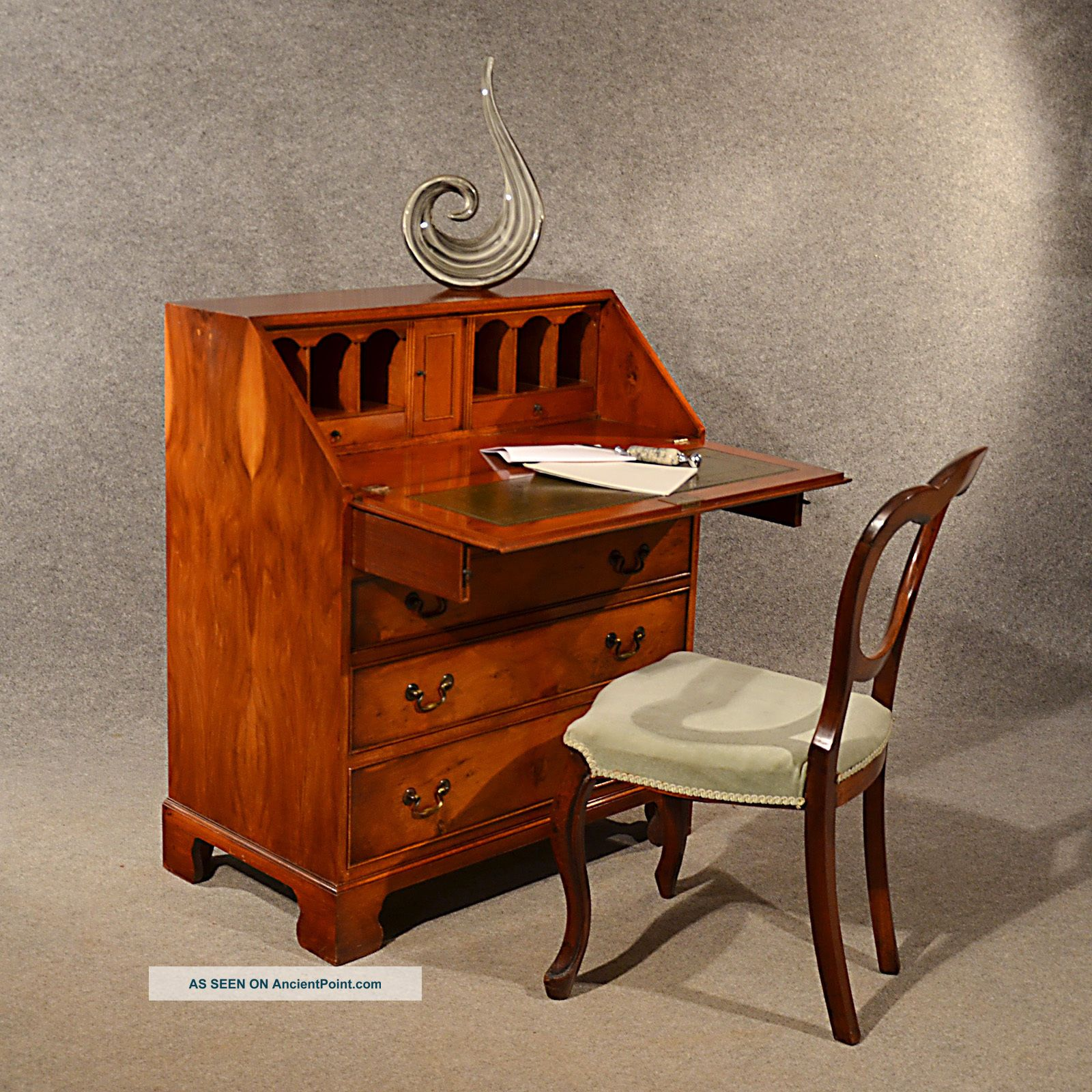 Yew Bureau Writing Study Desk Quality English Leather & Fitted Interior - 20th C 20th Century photo