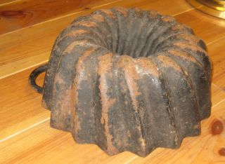 Very Old Big Antique Cast Iron Bundt Pan,  From Germany 4085 G Need Restoration photo