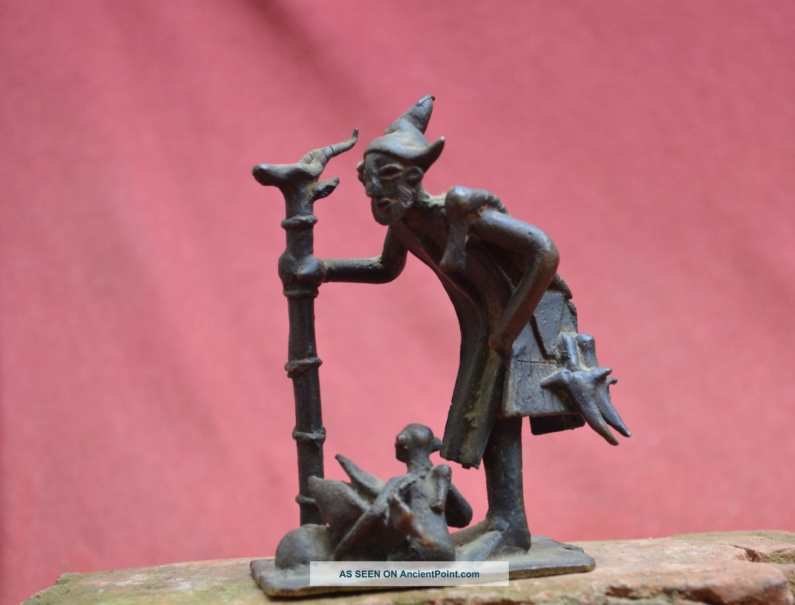 Interesting Bronze Statue Of A Shaman,  Figure With Bird Ashanti People In Ghana. Sculptures & Statues photo